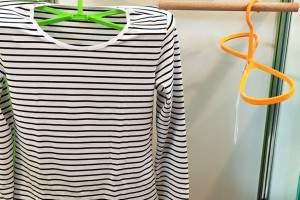 "Clothes will dry earlier than usual. ( ""Hanger in a shape of eight"" )"