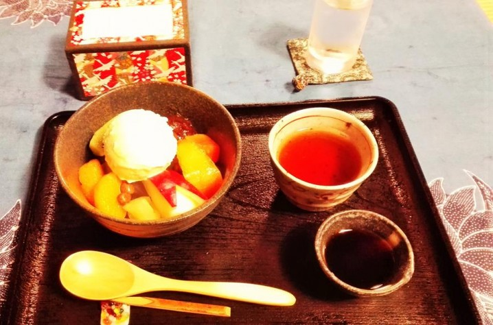 """Today's menu is """"Cream Anmitsu""""."""