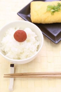 Eating with rice is also delicious.