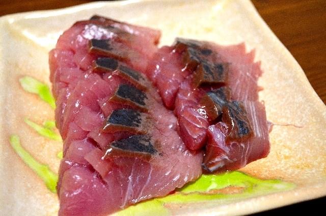 """""""Sashimi"""" of """"Hatsu Katsuo""""."""