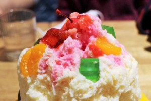 """Kakigori"" with fruit and condensed milk."