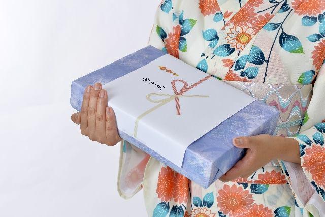 """""""Ochugen"""" (summer gift)"""