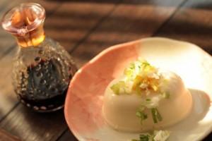 Hiya-yakko with soy sauce.