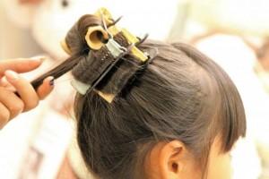 Children make hair beautifully