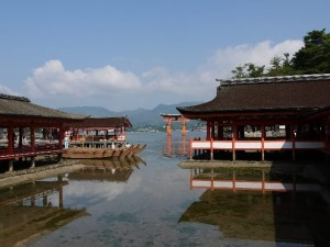 "The ""Itsukushima Jinjya"" at the time of the middle tide."