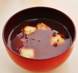 """Kagami-Mochi"" in ""Oshiruko"" (sweet soybean's soup)"