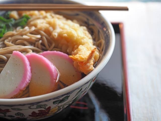 Toshikoshi-soba (buckwheat noodles eaten on New Year's Eve).