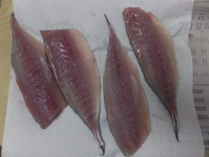 cut the mackerel in 3 pieces